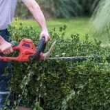 Bonus verde escluso per i lavori fatti in economia in giardino o sul balcone di casa