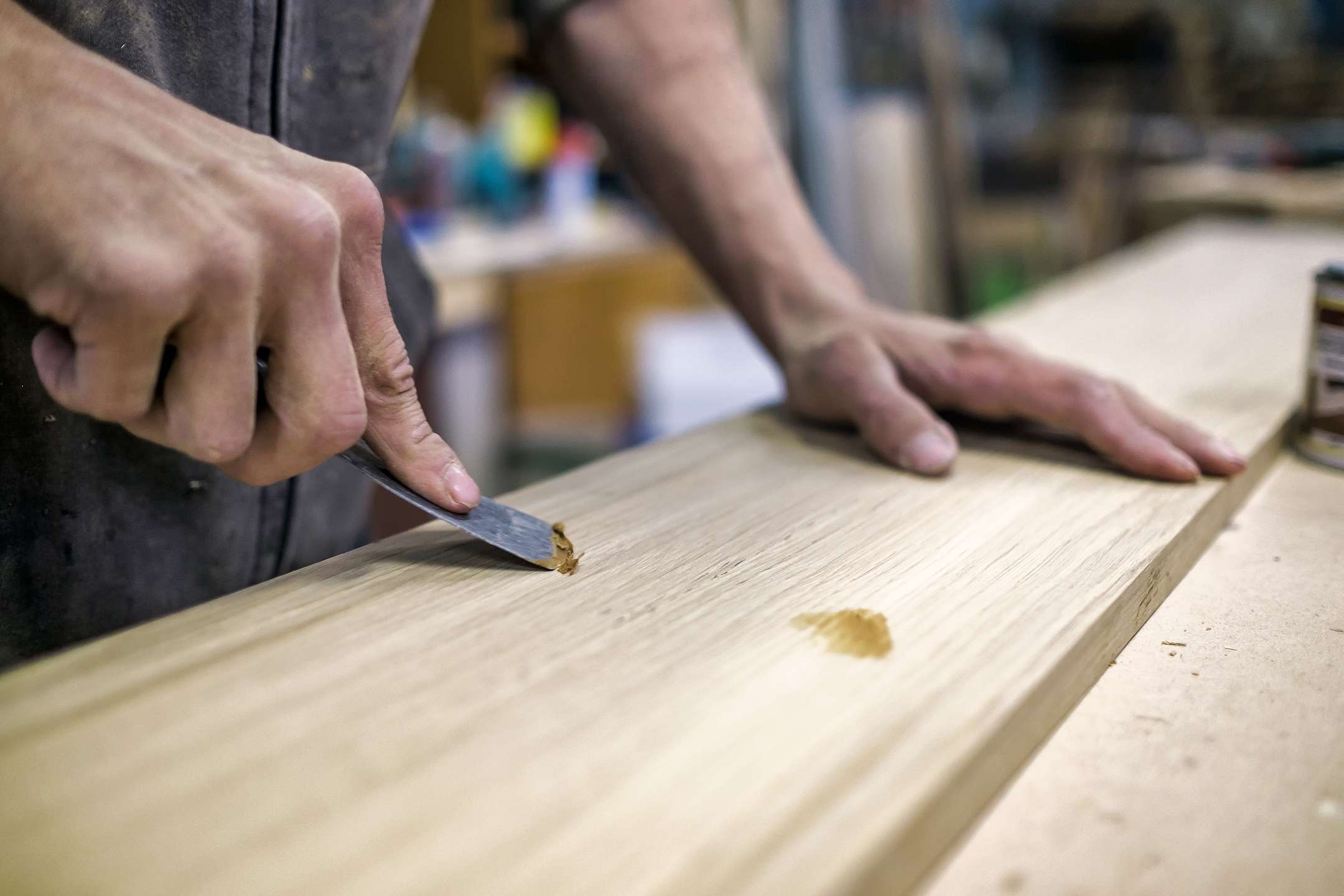 Stucco per legno: come usarlo e quale scegliere (guida ai migliori)