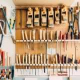 Attrezzi per lavorare il legno a mano: gli strumenti migliori (elettrici e non)