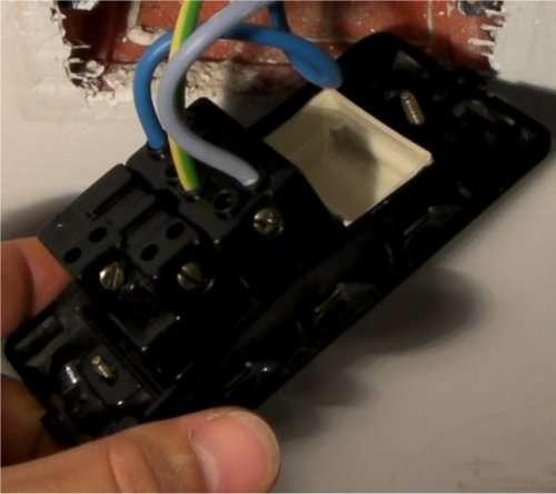 Schema Elettrico Interruttore E Presa : Aggiustatutto fai da te bricolage collegare una presa