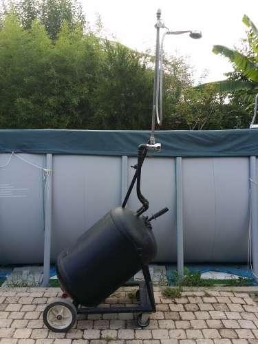 Doccia solare per piscina e giardino